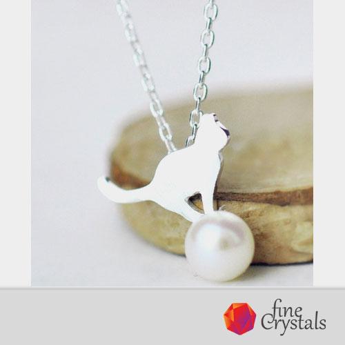 колие котки с перли